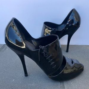 GUCCI black patent leather Stiletto HEELS booties